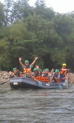 Driving away from Bangkok to Nakhon Nayok province. Let's go rafting with our local expert and observe the beautiful scenery.... For more information of this trip https://www.takemetour.com/trip/lets-go-rafting-at-nakhon-nayok- #takemetour #local #daytrip #localexpert #rafting #thailand