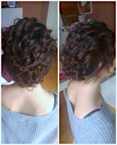 #Frisur für die #Hochzeit #ball #prom #hairstyle #updo #curly #musicbooking Für die richtige #Hochzeitsmusik, besuche musicbooking.com Dreadlocks, Hair Styles, Beauty, Hair Makeup, Hair Plait Styles, Hairdos, Haircut Styles, Dreads, Hair Cuts