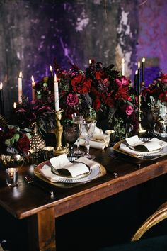 2019 Most Popular Wedding Colors for Fall and Winter--black and burgundy wedding. 2019 Most Popular Wedding Colors for Fall and Winter--black and burgundy wedding. 2019 Most Popular Wedding Colors for. Popular Wedding Colors, Fall Wedding Colors, Burgundy Wedding, Floral Wedding, Wedding Flowers, Autumn Wedding, Table Decoration Wedding, Wedding Table Settings, Wedding Tables