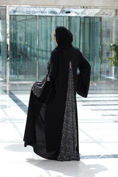 جديد شركة عبايـة نجـد للملابس الجاهزة: طاعة وأناقة | iLSuL6ana