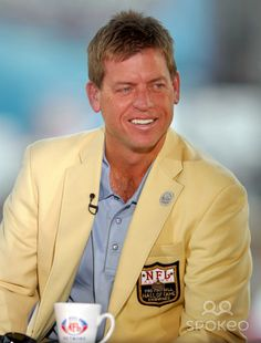 TROY AIKMAN Hall of Famer
