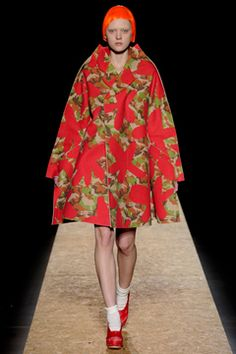 270b72ffaf7 Comme des Garçons Fall 2012 Ready-to-Wear Collection on Style.com