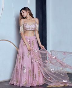 This is too pretty! #designerwear #modern #lengha #saree #florals #anarkali #silky #bollywood #glitter #embroidery #wedding #indianweddings #bridal #bride #bridesmaid #engagement #indianwear #partywear #london #toronto #brampton #asian #indianfashion #desi #bollywood #indian #model #fashion #style #gown