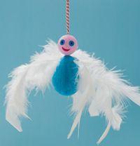 Téléchargez les explications pour réaliser le bonhomme à plumes. Conception, réalisation : Anne Chiumino. Photos : Sophie Mutterer.