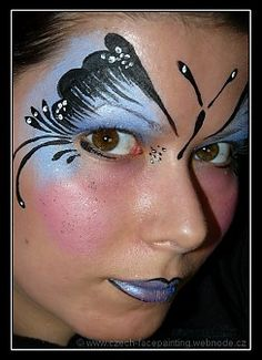 Butterfly face painting - A cheap set of watercolor pencils does it.dip as you go! Face Painting Images, Girl Face Painting, Face Painting Designs, Halloween Makeup Looks, Halloween Make Up, Halloween Face, Halloween Costumes, Butterfly Eyes, Butterfly Makeup