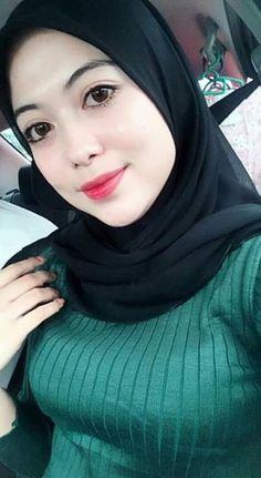 Hijabi Girl, Girl Hijab, Hijab Outfit, Beautiful Muslim Women, Beautiful Hijab, India Beauty, Asian Beauty, Moslem, Cute Kids Photography