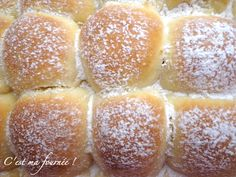 Brioche buchty Creme Fraiche Dessert, Delicious Breakfast Recipes, Yummy Food, Homemade Pastries, Bread And Pastries, Bread Baking, Hot Dog Buns, Bread Recipes, Sweet Tooth