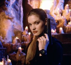 A gallery of Mortal Kombat publicity stills and other photos. Featuring Robin Shou, Bridgette Wilson, Cary-Hiroyuki Tagawa, Linden Ashby and others. Linden Ashby, Playstation, Blade Movie, 1995 Movies, Mortal Kombat Games, Sonya Blade, Video Game Movies, Video Games, Female Movie Stars