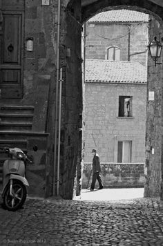 An old man wends his way through Orvieto - join him and explore on the website