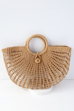 Toting around your favorite goodies has never looked chicer than with the Market Marvel Tan Woven Tote! This lightweight, woven bag is perfect for holding all of your shopping trip treasures or beach day essentials with its roomy interior and twin to Crochet Tote, Crochet Handbags, Crochet Purses, Free Crochet, Cute Handbags, Purses And Handbags, Tan Tote Bag, Bag Women, Denim Overall Dress