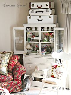 cute cottage living area - love the little hutch: Common Ground