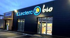 Leclerc veut ouvrir 200 magasins bio en France #bio #leclerc Shop Front Design, Attention, Organic Recipes, Broadway Shows, Gucci, France, Food, Shops, Essen