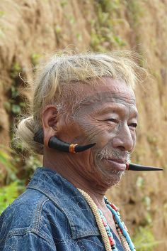 Konyak tribesman | Image credit Rita Willaert, photo taken in an Upper Konyak village, Nagaland, India.