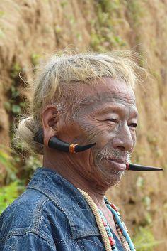 Konyak tribesman | Image credit Rita Willaert, photo taken in an Upper Konyak village, Nagaland, India.