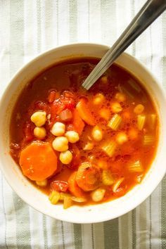 Homemade veggie soup with chickpeas. Healthy, easy to cook, perfect for autumn. Healthy Slow Cooker, Slow Cooker Soup, Homemade Veggie Soup, Recipe Minestrone, Vegetarian Recipes, Healthy Recipes, Chicken Soup Recipes, Healthy Pastas, Food Network Recipes