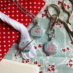 Needle Minders, Quilt Top, Pendant Jewelry, Best Sellers, Dots, Quilts, Stitch, Personalized Items, Creative