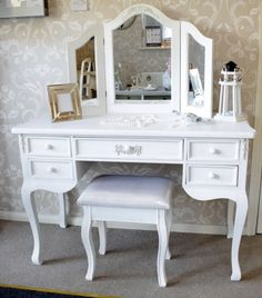 ' Pays Blanc ' Large 5 drawer antique white dressing table / writing desk - Melody Maison®