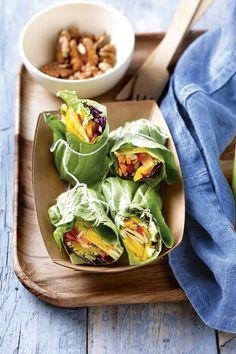 Prueba esta receta vegetariana de wraps de lechuga con fruta y hortalizas. Ligera, 100% vegetariana y sin rastro de gluten. Te entra por los ojos y te llena, pero no te pesa.