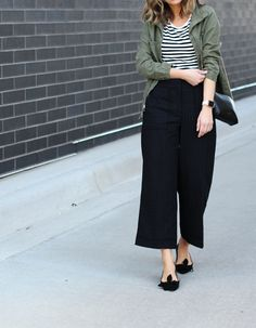 chicest pants on the block ~ Lilly Style Celebrity Fashion Outfits, Celebrities Fashion, Celebrity Style, Culottes Outfit, Summer Outfits, Casual Outfits, Minimalist Wardrobe, Couture Week, Parisian Chic