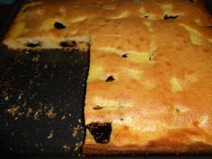 Hrnčekový koláč s jogurtom a broskyňami Pie, Bread, Desserts, Food, Torte, Tailgate Desserts, Cake, Deserts, Fruit Pie