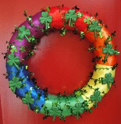 St. Patrick's Day wreath. Wow, this is really similar to the Valentine's Day wreath I made :)