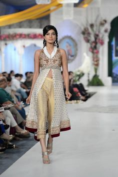 smart Bollywood Bridal, Indian Style, Indian Fashion, Ready To Wear, Asian, Fashion Outfits, How To Wear, Clothes, Dresses