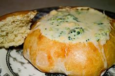 Beguiling Bites with Barricks: Broccoli Cheddar Soup with Bread Bowls Broccoli Cheese Soup, Broccoli Cheddar, Homemade Bread Bowls, Soup And Sandwich, Best Appetizers, I Love Food, Yummy Food, Tasty, Delish