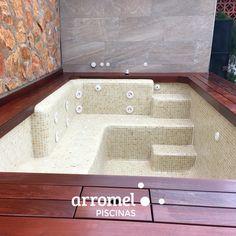 En ocasiones, las cosas más pequeñitas tienen un encanto especial. ¿Qué te parece una piscina Arromel así en tu patio? 😍
