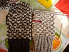 Mittens Pattern, Knit Mittens, Knitting Socks, Stick O, Sew Over It, Fingerless Gloves, Arm Warmers, Ravelry, Knitting Patterns