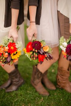 red + yellow fall bouquets | Katelyn James #wedding