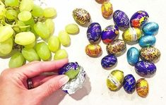 "Easter ""Best April Fool's prank for kids! If only to see their faces at lunch when they open them. We've got lots more fun food pranks, like this one by…"" Best April Fools Pranks, April Fools Day Jokes, April Fools Pranks For Adults, Geek Culture, Evil Pranks, Harmless Pranks, All I Want For Christmas, Good Pranks, Awesome Pranks"
