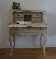mooie secretaire in Annie Sloan verf gerestyled. Mooi in een landelijk / brocante interieur. (  ook te koop)