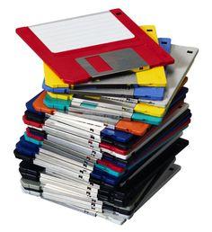 Les disquettes d'ordinateur. J'ai fait mes études universitaires là-dessus...hé oui! :)