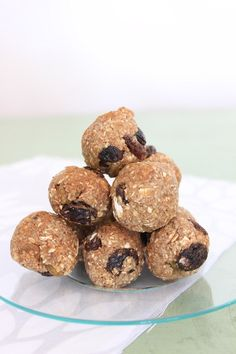 Oatmeal Raisin Cookie Dough Bites {vegan, gluten-free, no refined sugar}. Perfect for back to school lunchboxes! from Wooden Spoon Baking.