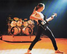 #digitalmenaudio #digitalmenpodcast #digitalmen #showusyourpeart #drumsofgods #drumsofthegods #rush #rushband #rushisaband #geddylee #geddy… Rush Concert, Rush Band, Geddy Lee, Neil Peart, Greatest Rock Bands, Rock Legends, Great Bands, Rock N Roll, Musica