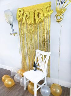 ✔ YOUR IDEAL KIT - Take your bachelorette party to the next level with a beautiful backdrop and stunning decorations. We can only imagine how gorgeous you and your friends will look next to the picture worthy decorations kit. ✔ 20 PIECE KIT: ✓ 6 piece - 12 inch Latex Balloons (Gold), ✓ 6 piece -