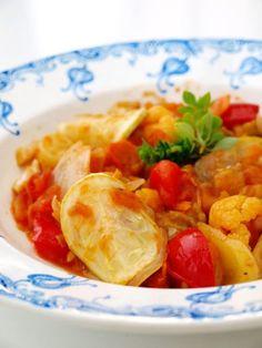 tocanita de legume Romanian Food, Thai Red Curry, Shrimp, Meat, Chicken, Ethnic Recipes, Blog, Blogging, Cubs