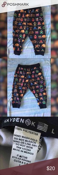 *Kayden K* Arcade Cropped Pants Mens Size Large Two Side Pockets  Stretch Waistband  #menssizelarge #menslarge #shortslarge #pantslarge #streetwear #pacman #arcade #8bit #shorts #mensshorts #menspants #pants #hiphop #hiphopwear #cool #new #kaydenk #fun #fashion #style #mensstyle #mensfashion #gamer #game #gameapparel #popculture #videogames #90saesthetic Kayden K Pants