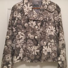 Anni Kuan Jacket This beautiful Anni Kuan jacket is in excellent condition as it has only been worn once. The unique flower design has a soft velvet feel and is both fashion forward and warm. Jackets & Coats Blazers
