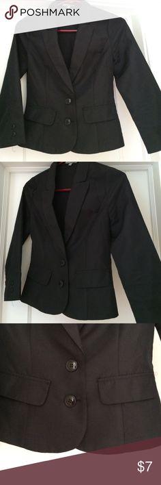 Black Blazer The PERFECT cropped blazer with 3/4 sleeves. Not Zara Zara Jackets & Coats Blazers