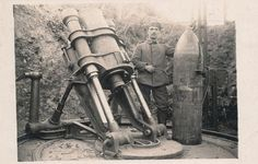 Captured Germany Big Bertha Artillery in America Bien a [. Ww1 History, Military History, First Battle Of Ypres, Ww1 Photos, Ww1 Soldiers, War Dogs, Big Guns, Military Weapons, World War One
