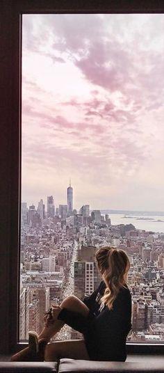 "alentador: "" ig: caro_e_ "" Window Photography, City Photography, Photography Ideas, Nyc Girl, City Vibe, New York Photos, Best Hotel Deals, Window View, Living In New York"