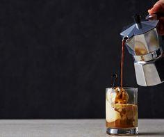 Kylmän ja kuuman kimppa – ihanat kontrastit toimivat jälkiruuissakin. Caffé Affogato on maukas, näyttävä ja nopea tehdä.