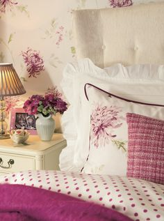 Find sophisticated detail in every Laura Ashley collection - home furnishings, children's room decor, and women, girls & men's fashion. Cozy Cottage, Cottage Living, Cottage Style, Muebles Shabby Chic, Chic Bathrooms, Home And Deco, Beautiful Bedrooms, Home Collections, Country Decor