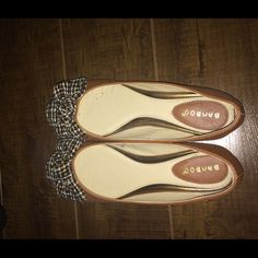 Cute comfortable flats! NEVER USED! Brown flats with a bow Bamboo Shoes Flats & Loafers