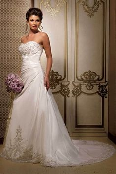 Beautiful dress and sterling silver roses--love the dress, the hair and the flowers!
