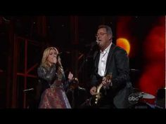 "Kelly Clarkson & Vince Gill ""Don't Rush"""