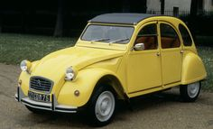 Fiat 500 vs Mini Cooper vs Volkswagen Beetle - Old And New - GOOD ...
