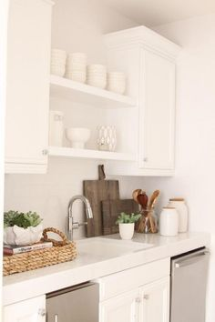 White kitchen + styling — Owens and Davis Kitchen Staging, Kitchen Inspirations, Kitchen Dining, Kitchen Styling, House And Home Magazine, Home Kitchens, Kitchen Design, Kitchen Remodel, Kitchen Dining Room