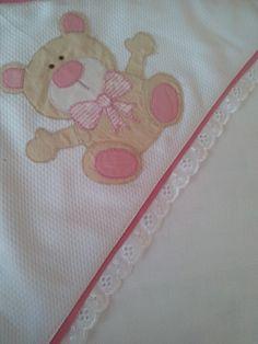 Toalha fralda com capuz urso rosa